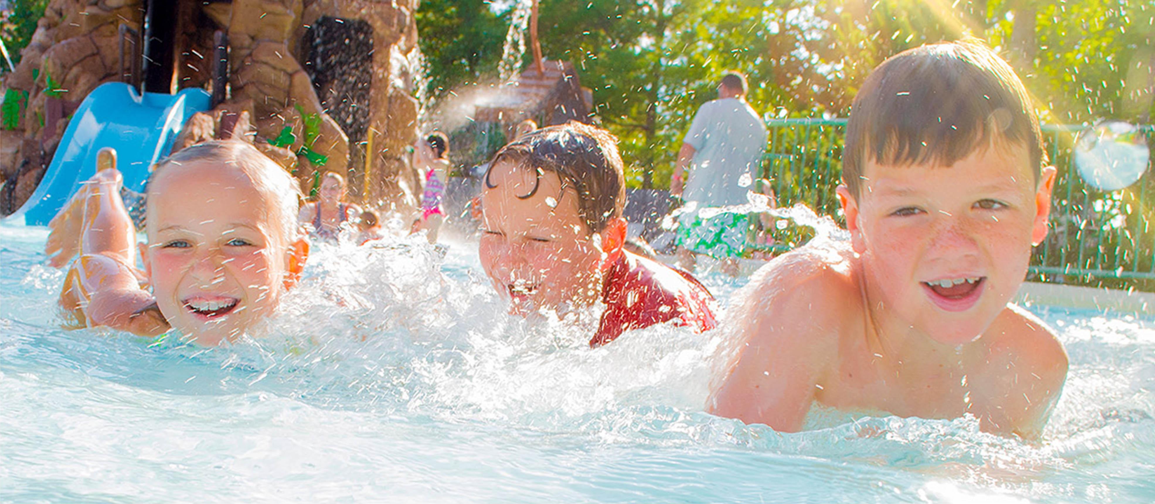 Splash Country Indoor & Outdoor Waterpark - Branson, MO