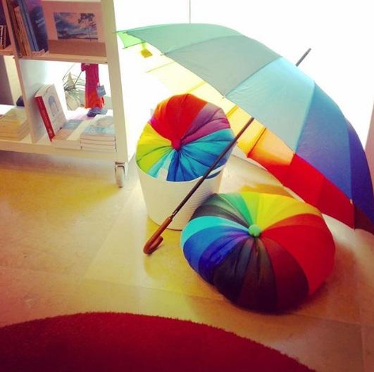 Fuxicãod e artesã da Reda Asta na loja Parceria Carioca do Museus do Amanhã
