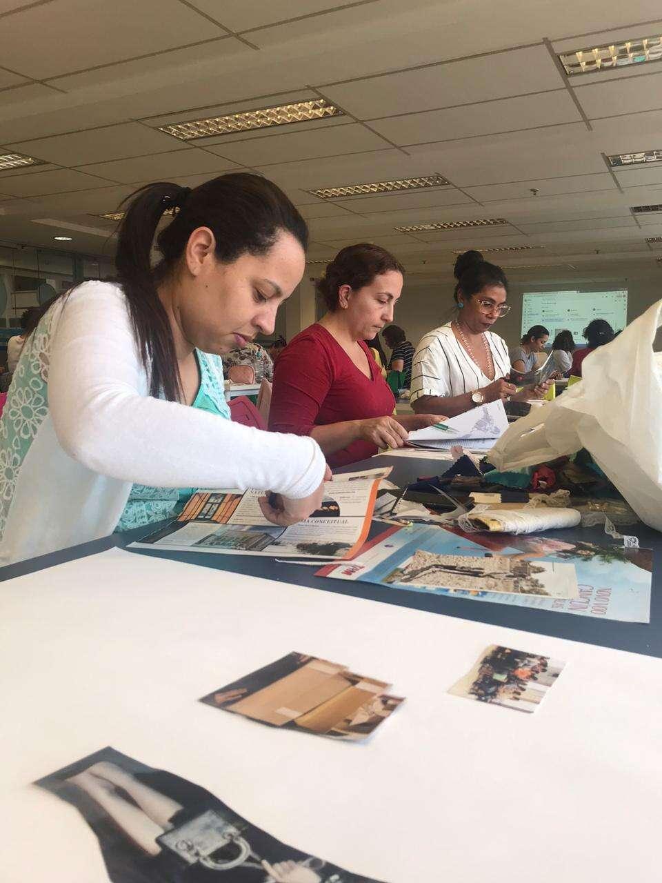 Artesãs fazendo a parte prática das aulas da Escola de Negócios das Artesãs da Rede Asta