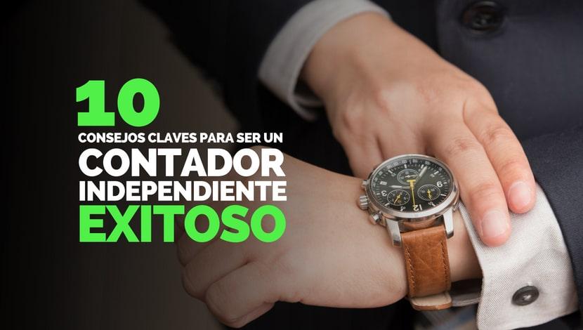Un hombre vistiendo traje mirando las horas en su reloj. 10 consejos claves para ser un contador independiente exitoso