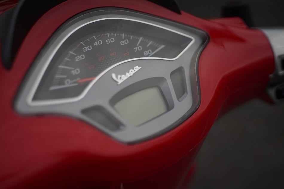 Vespa Rood Kilometerteller