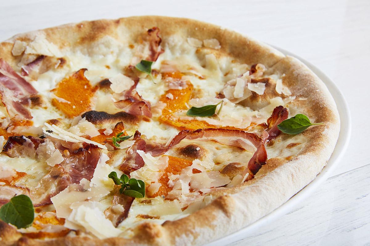 Pizza with Provolone del Monaco DOP, Pumpkin and Bacon