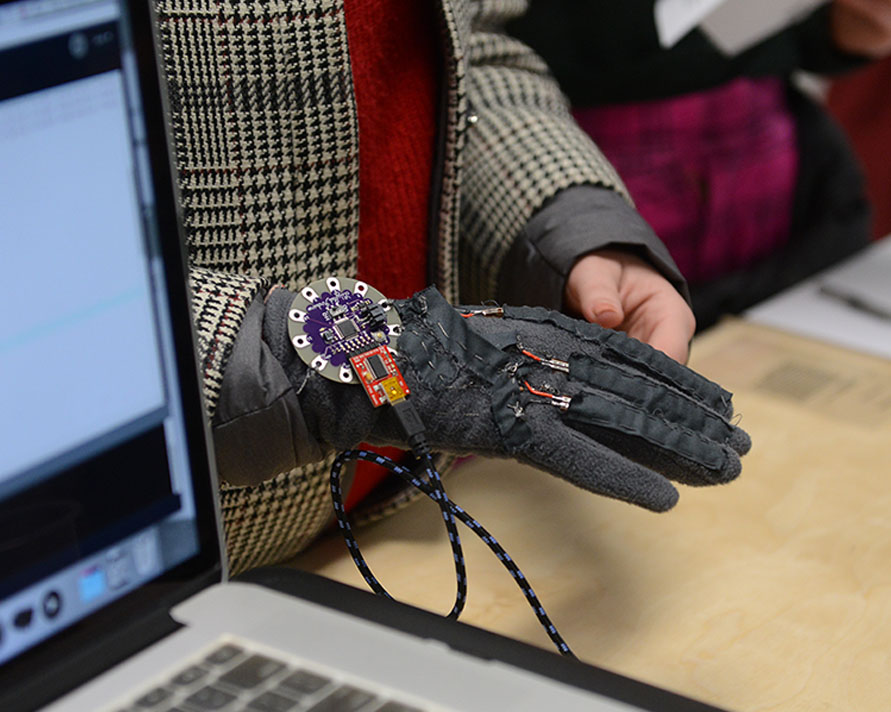 Glove tested at WIP show