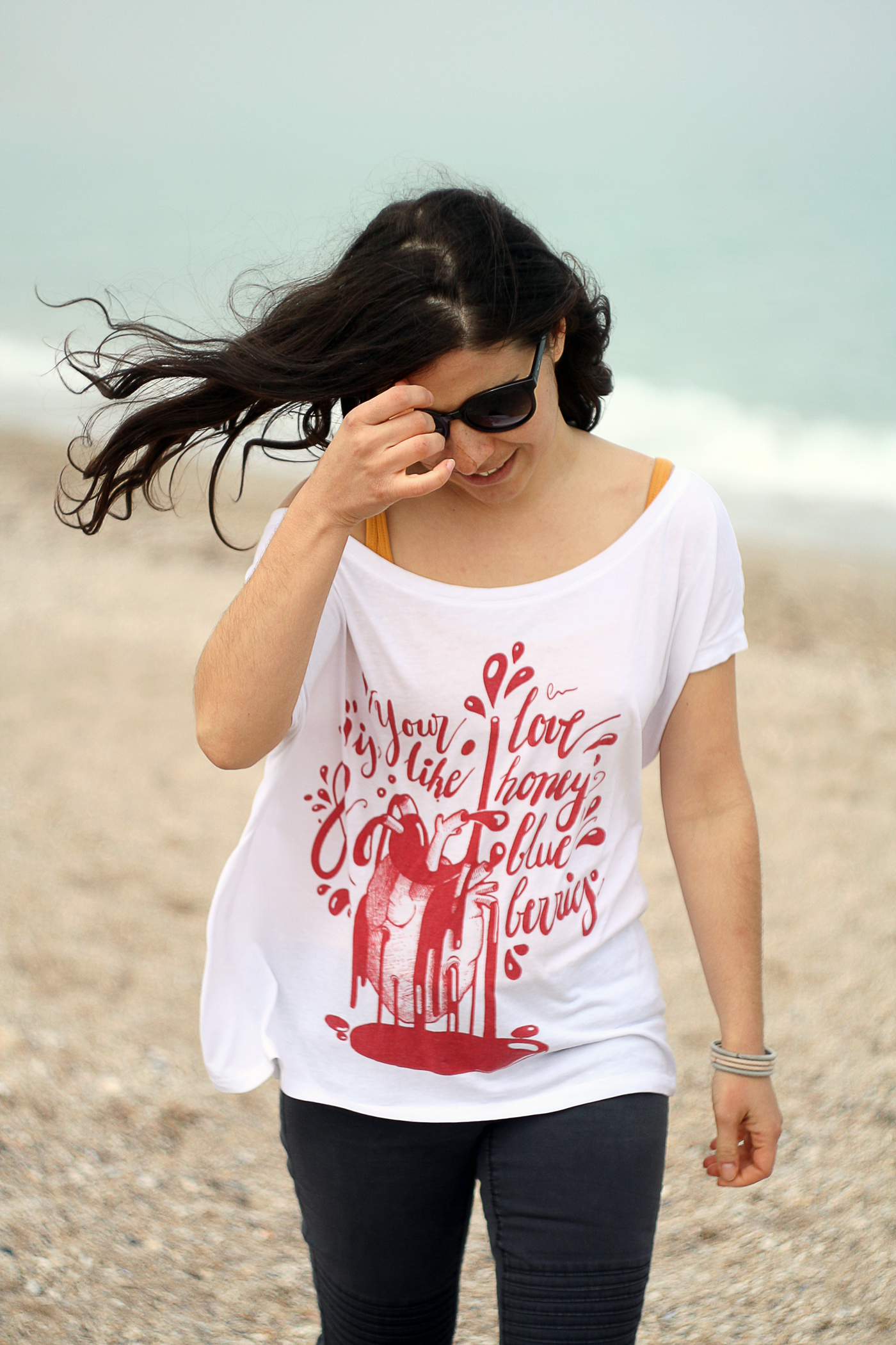 Tshirt of Raluca Mitarca's Heart on a girl on the windy beach