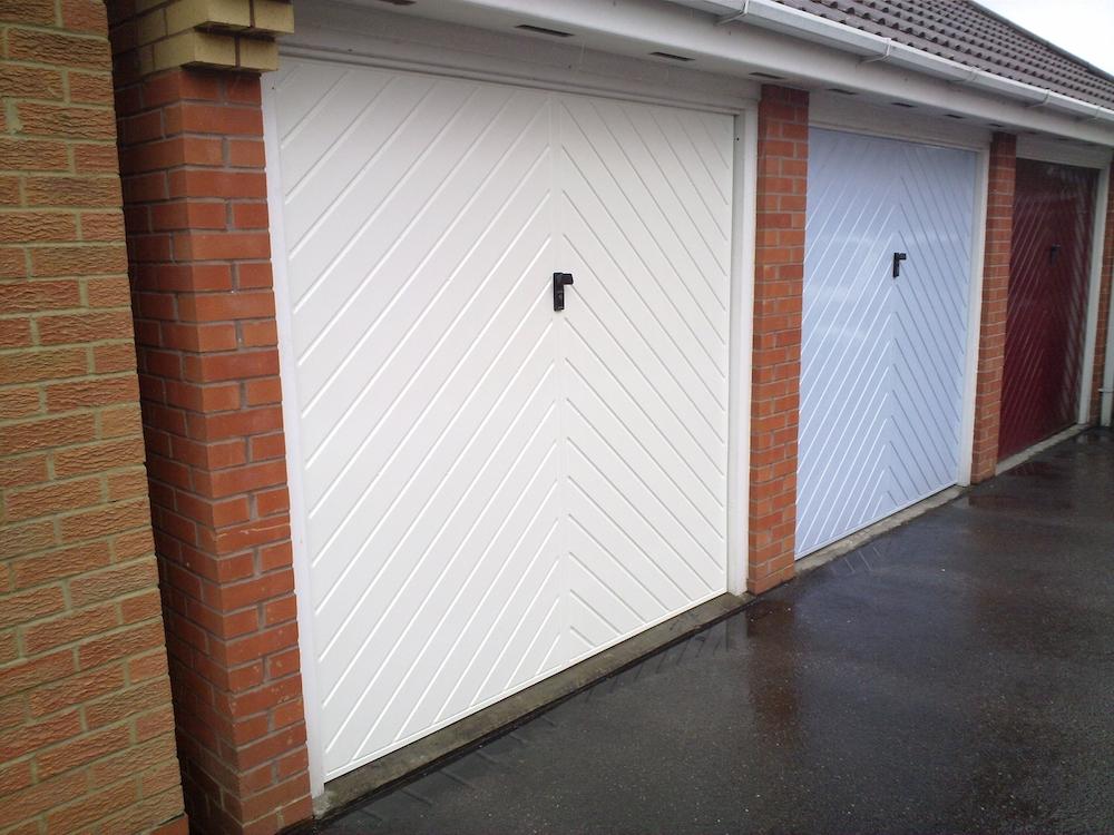 Garage 166