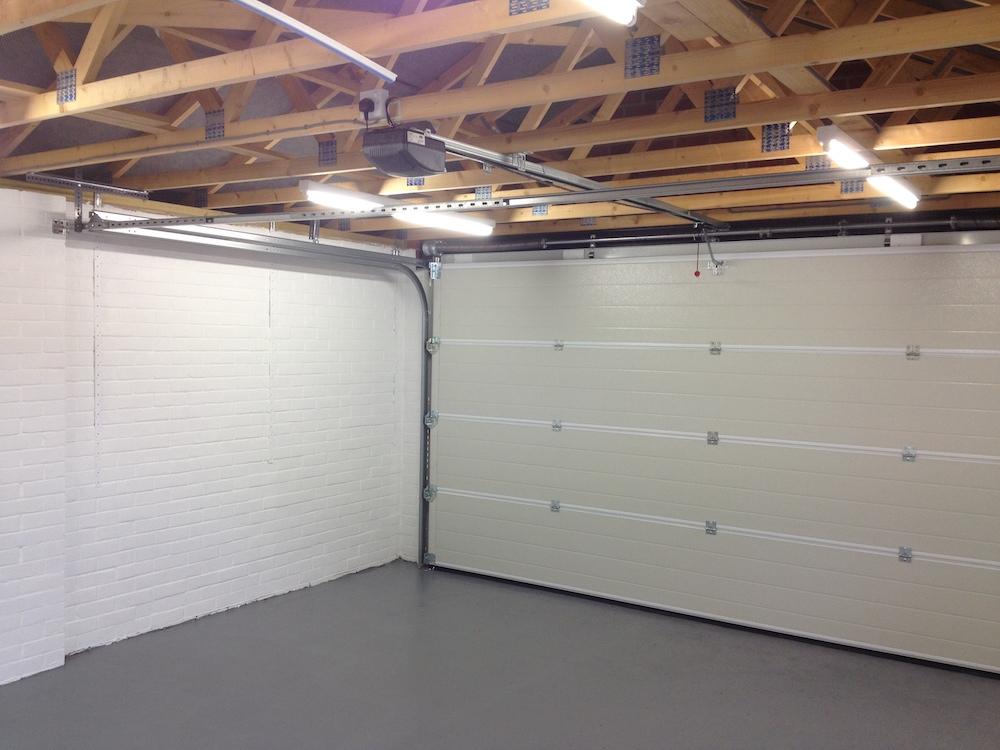 Garage 148