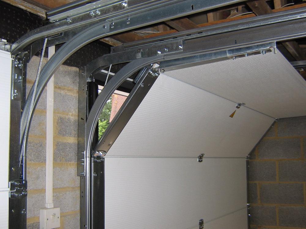 Garage 144