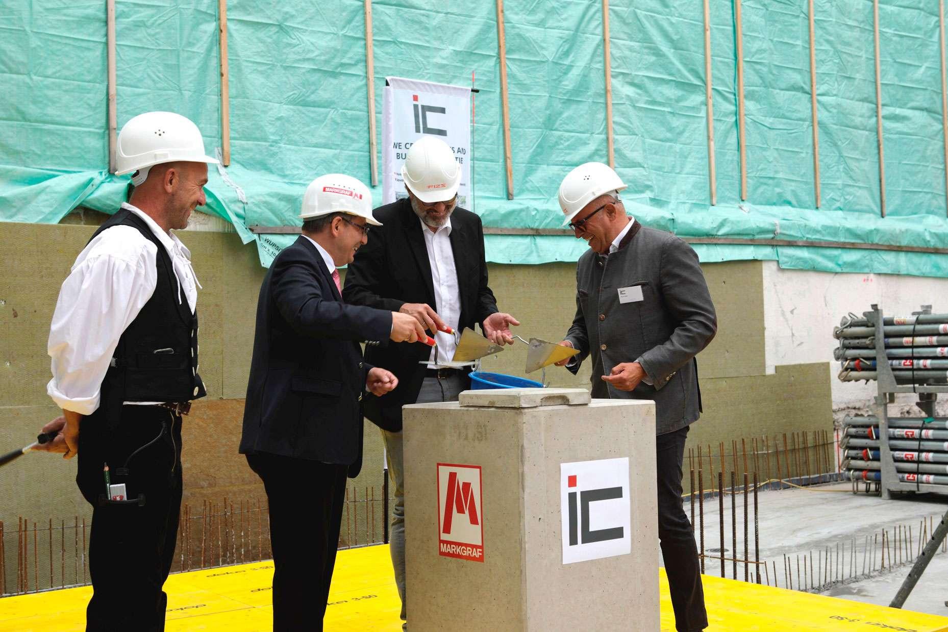 International Campus GmbH Grundsteinlegung München