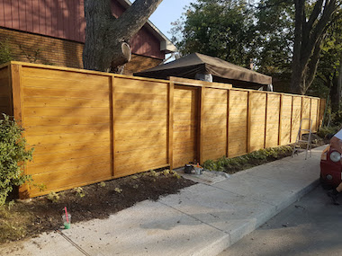 Teinture clôture Montréal