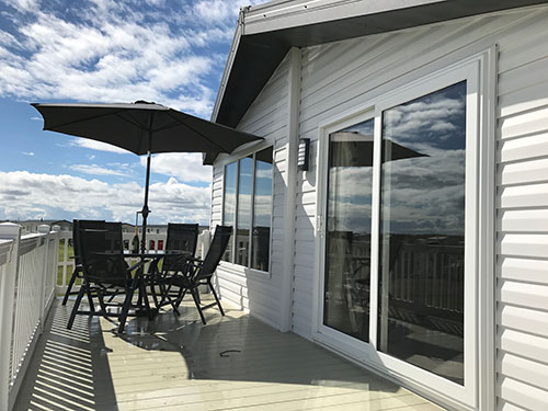 Photo of the veranda at the Luxury Lodge