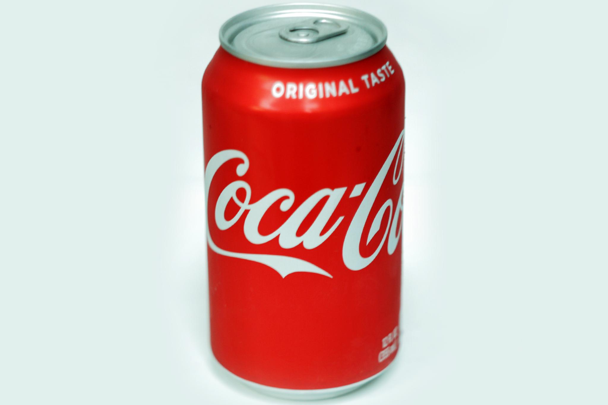 12 oz Coca cola Can