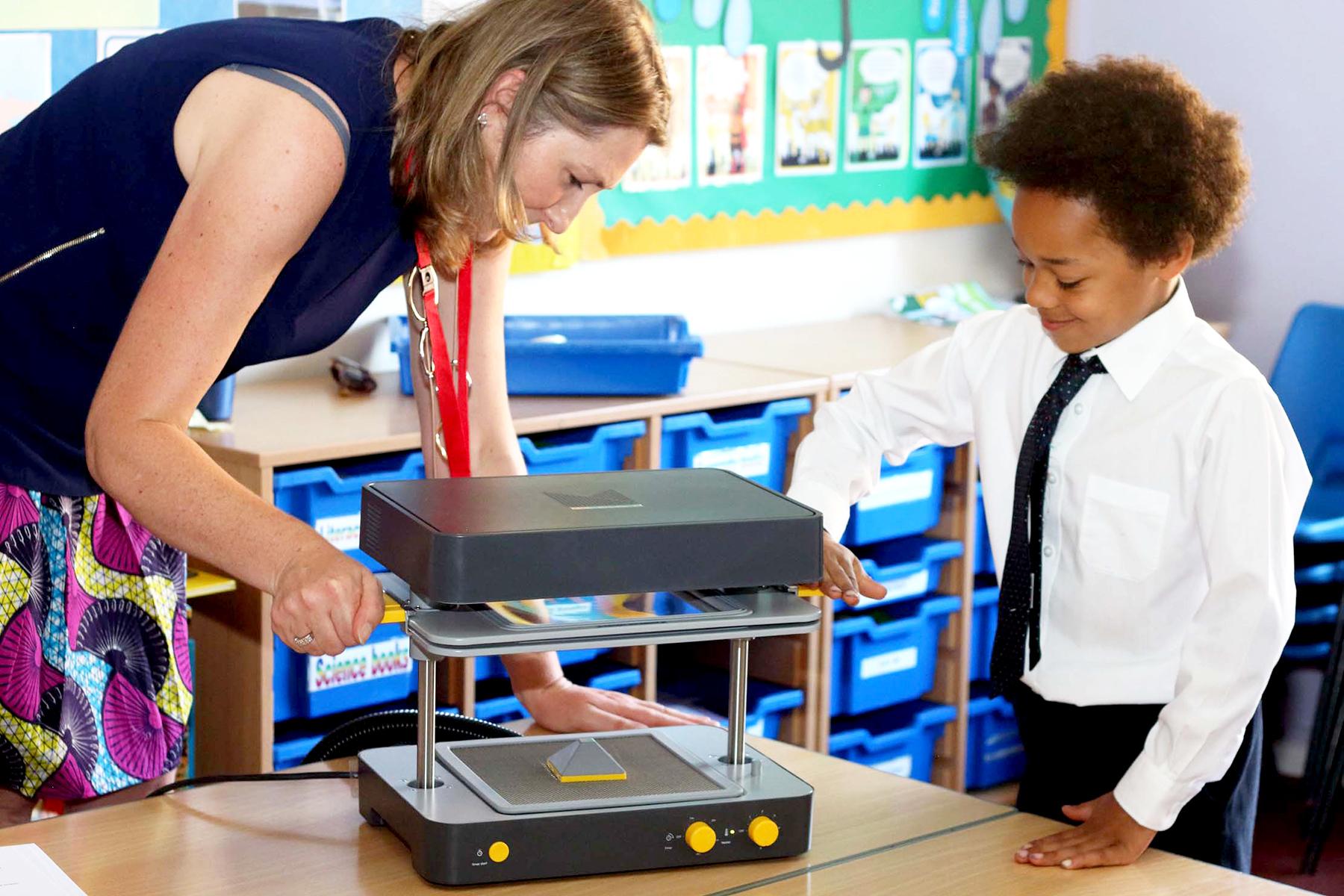 Tools for STEAM Education Desktop Vacuum Forming Machine
