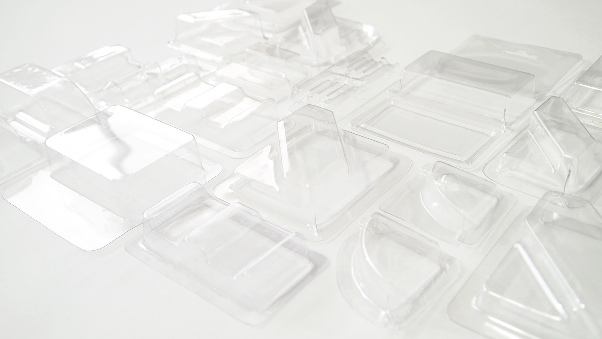 Blister packaging example using vacuum forming machine the FormBox