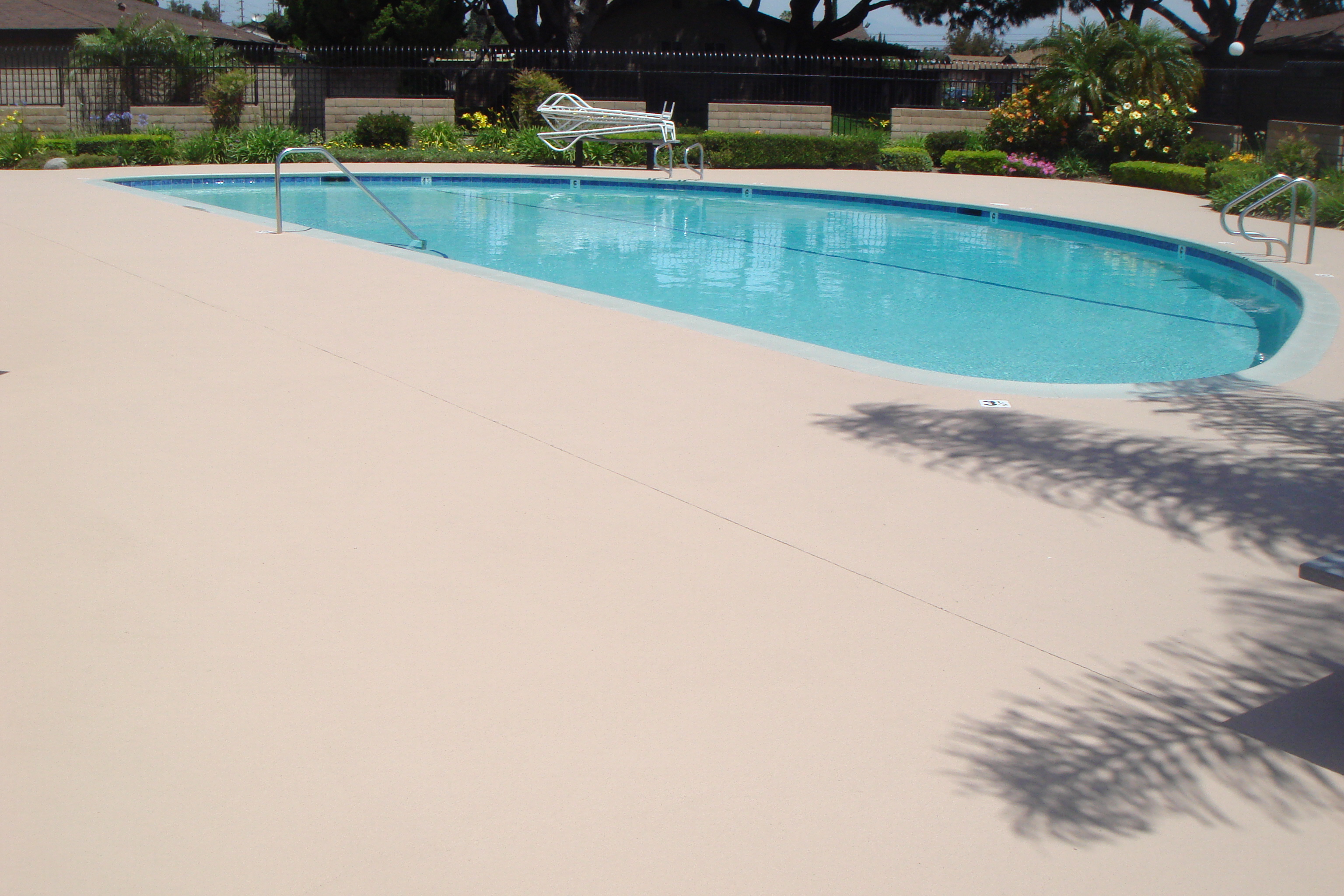 Smooth Texture pool deck