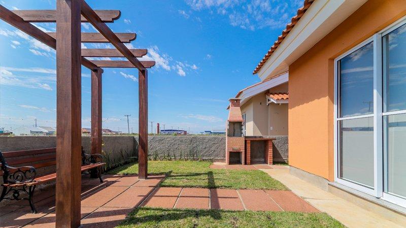 Jardim privativo decorado do Residencial Centro Novo em Eldorado do Sul