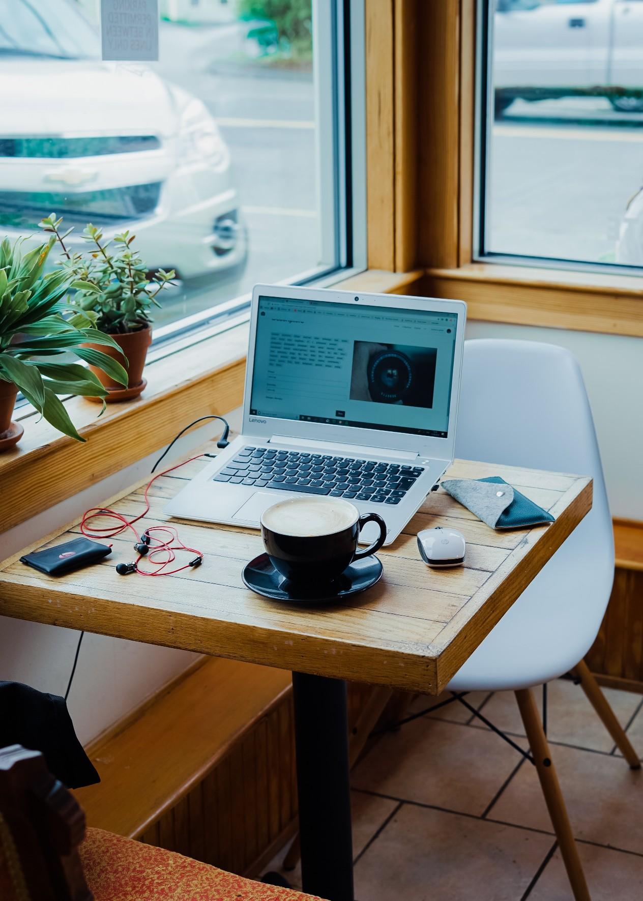 Coworking alternatives to Starbucks