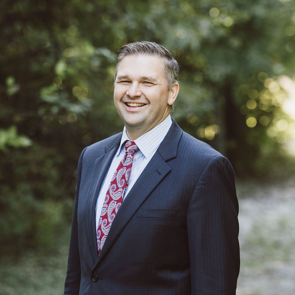 Justin Arfsten is a financial advisor at the great waters financial richfield office