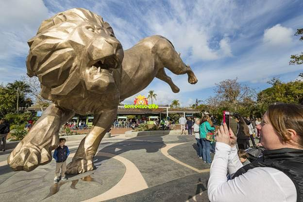Moving Rex: Using Heavy Haul to Ship a 27 Ft. Lion Statue