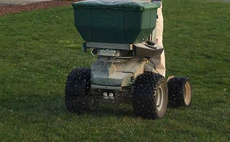Fertilization & weed control service
