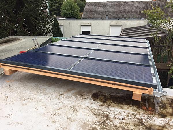 Beroemd Houten veranda met zonnepanelen levert € 530,- per jaar op! @DC47
