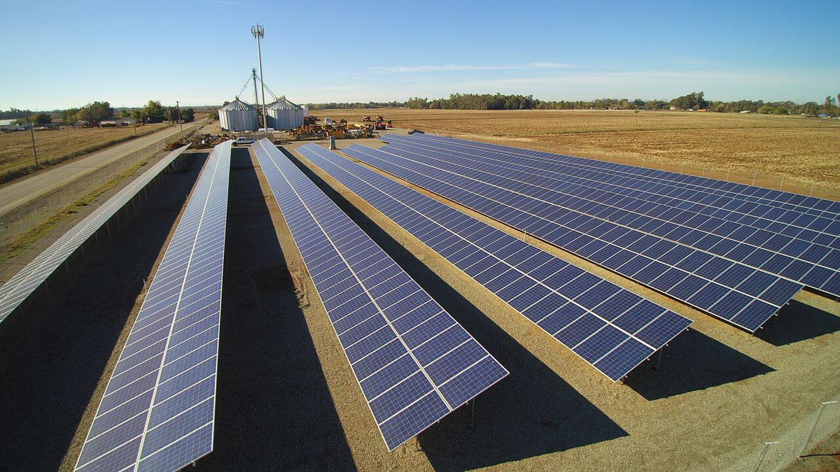 430.9 kW, Ready Rack, Canadian Solar