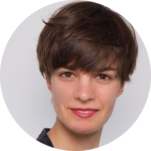 Julia Oestreich's headshot