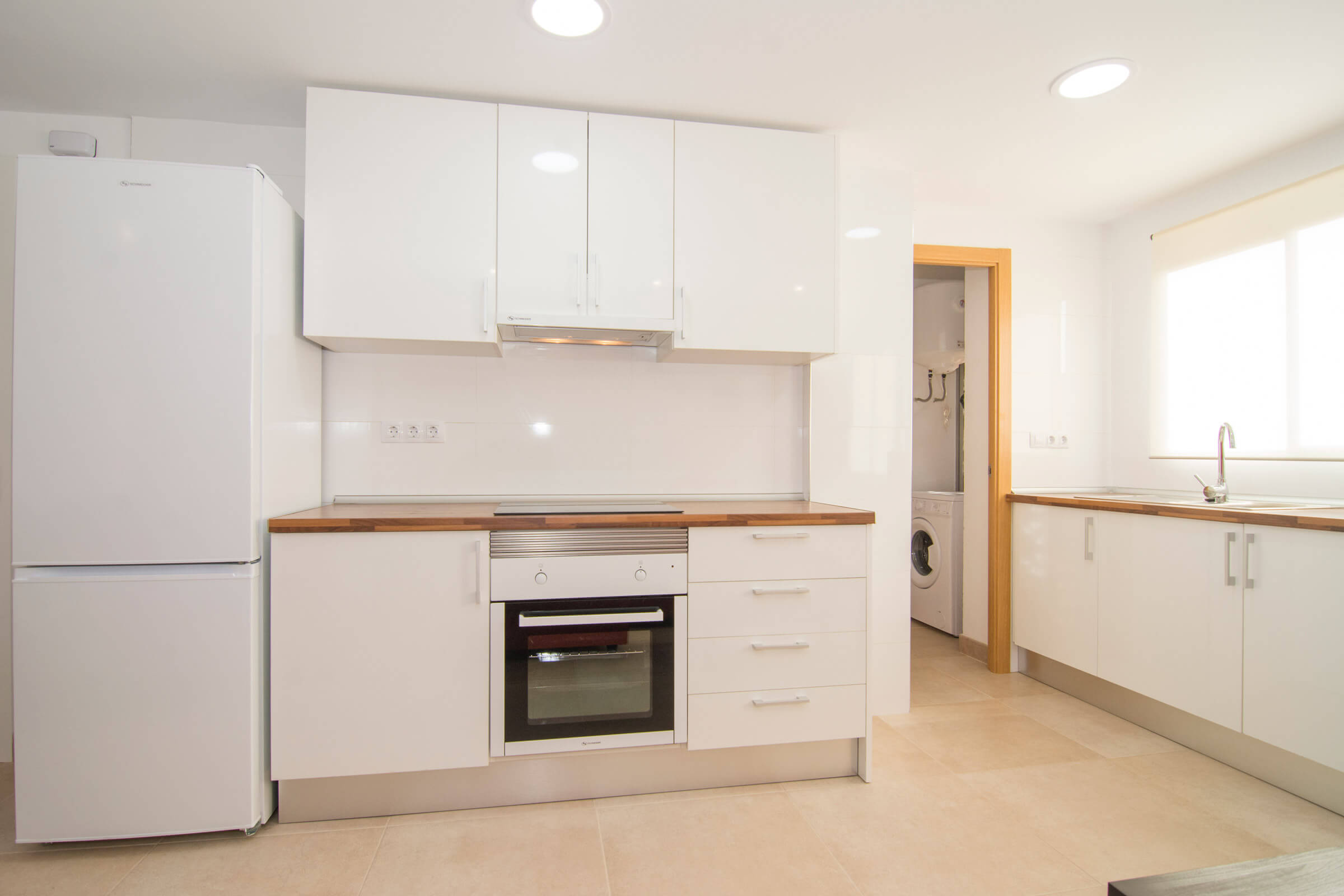Holaflats Reina fully equipped kitchen