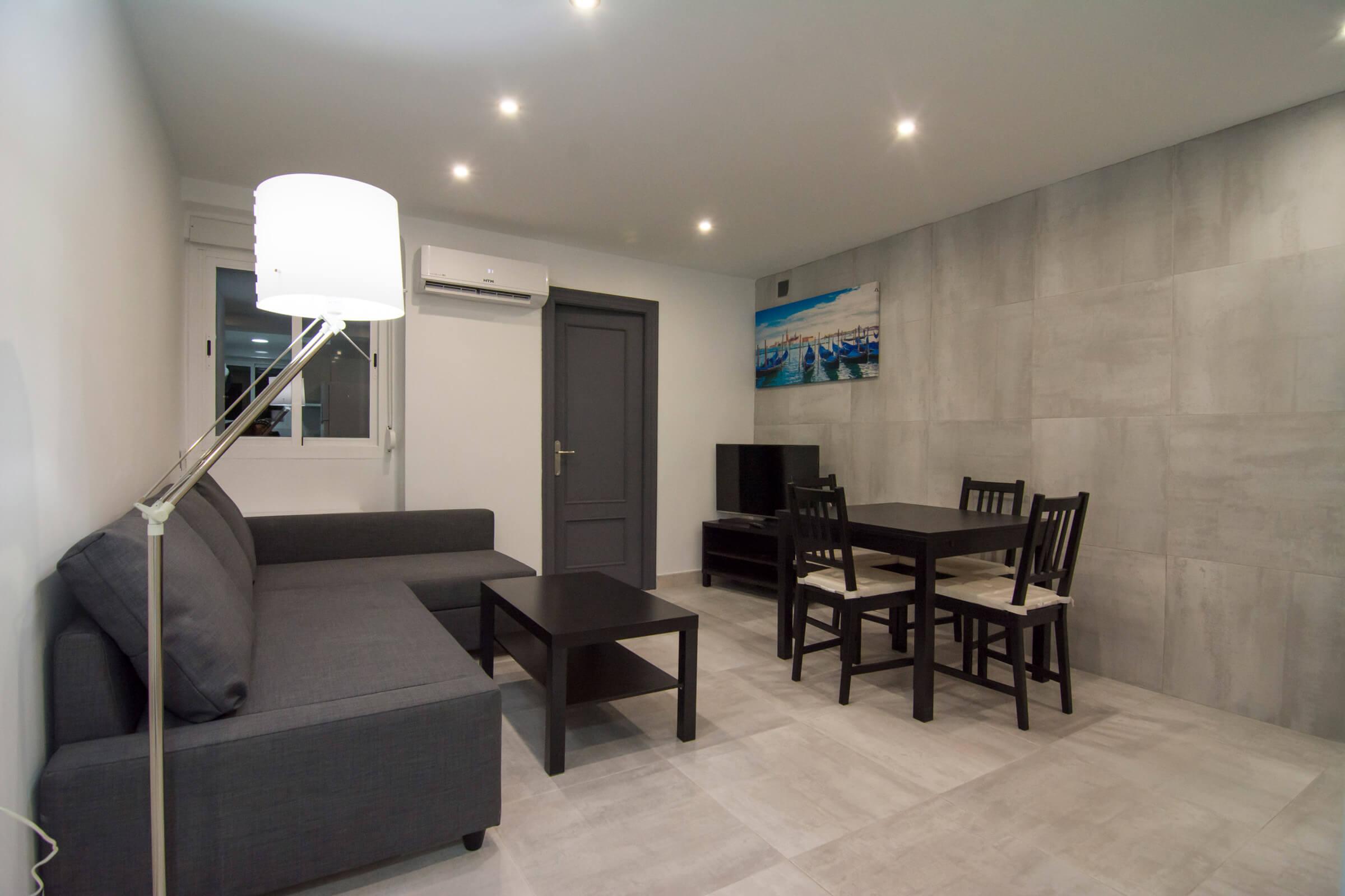Holaflats Luis Despuig shared living room area