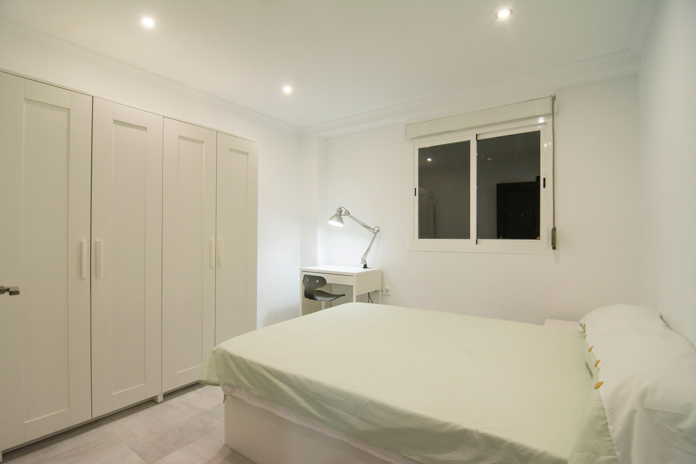 Holaflats Luis Despuig double bedroom 1