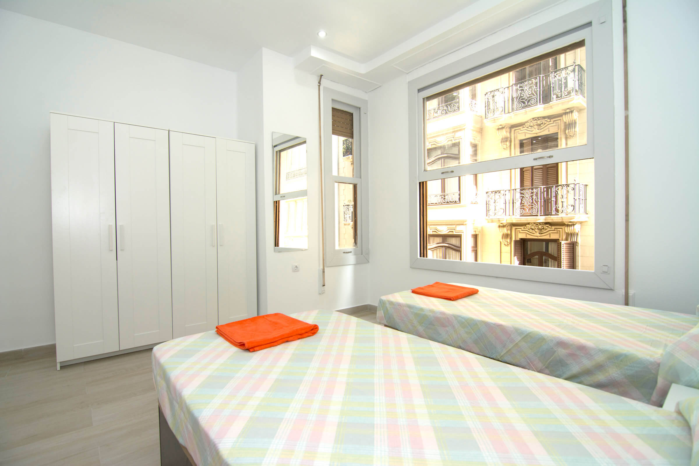 Holaflats Centro Double Bedroom