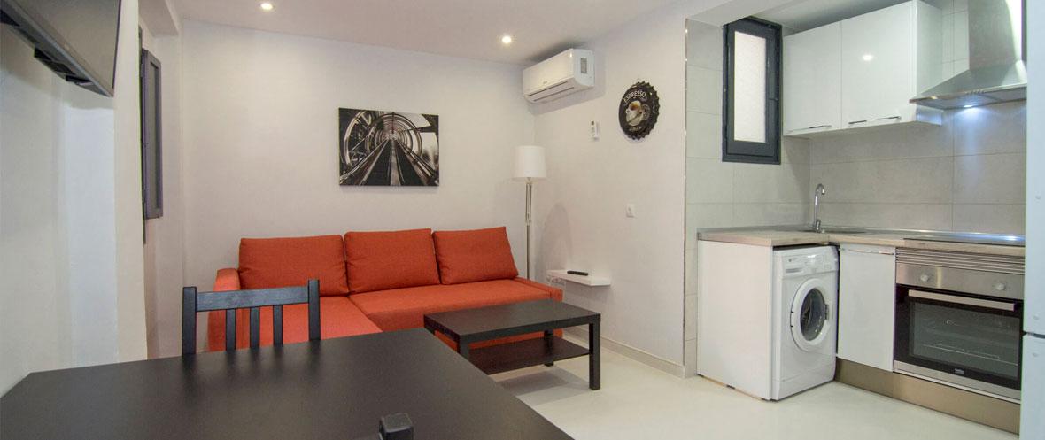 Arquebisbe apartment living room