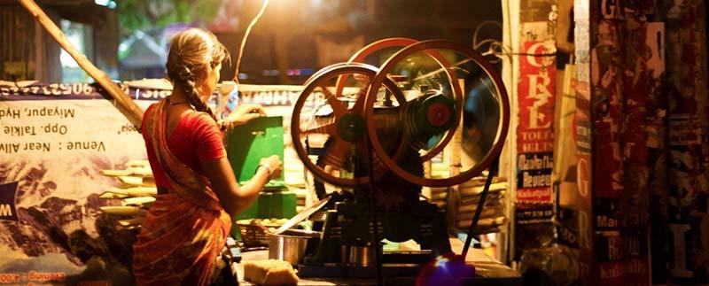 Women entrepreneur selling sugarcane juice in Hyderabad
