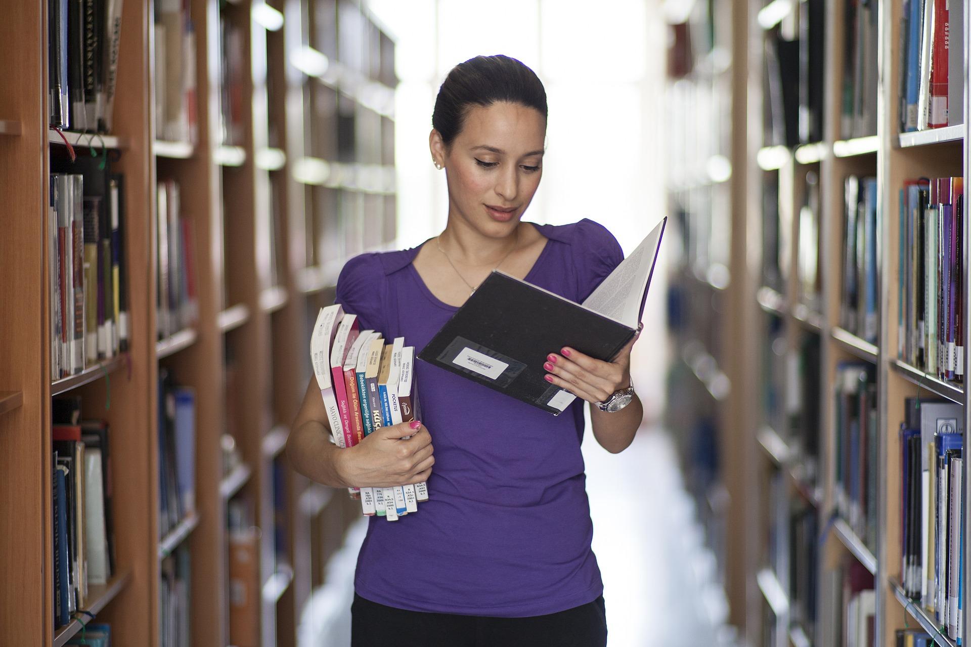 mulher, leitura, preparação, treinamento, aprendizado