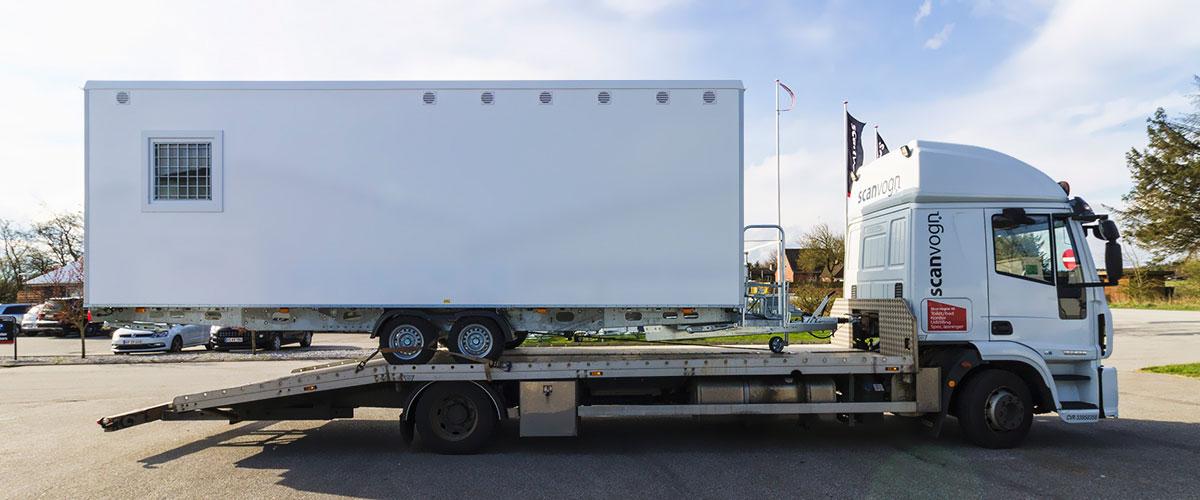 Scanvogn skurvogn på vej til Sverige
