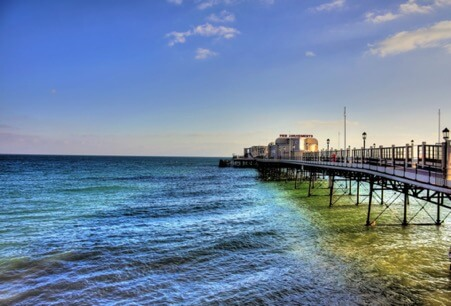 worthing pier in the summer