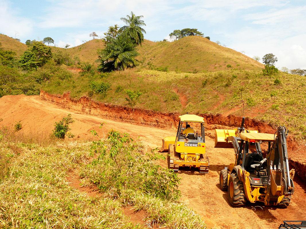 Road construction at Azur luxury eco-development Panama