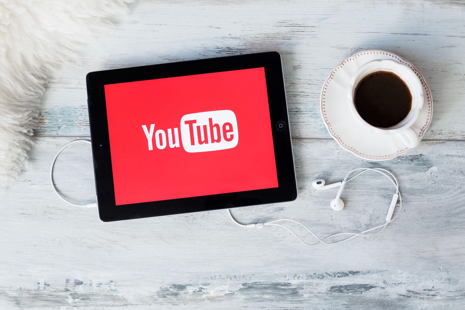 Minden, amit tudnod kell, mielőtt YouTube hirdetésekbe kezdesz