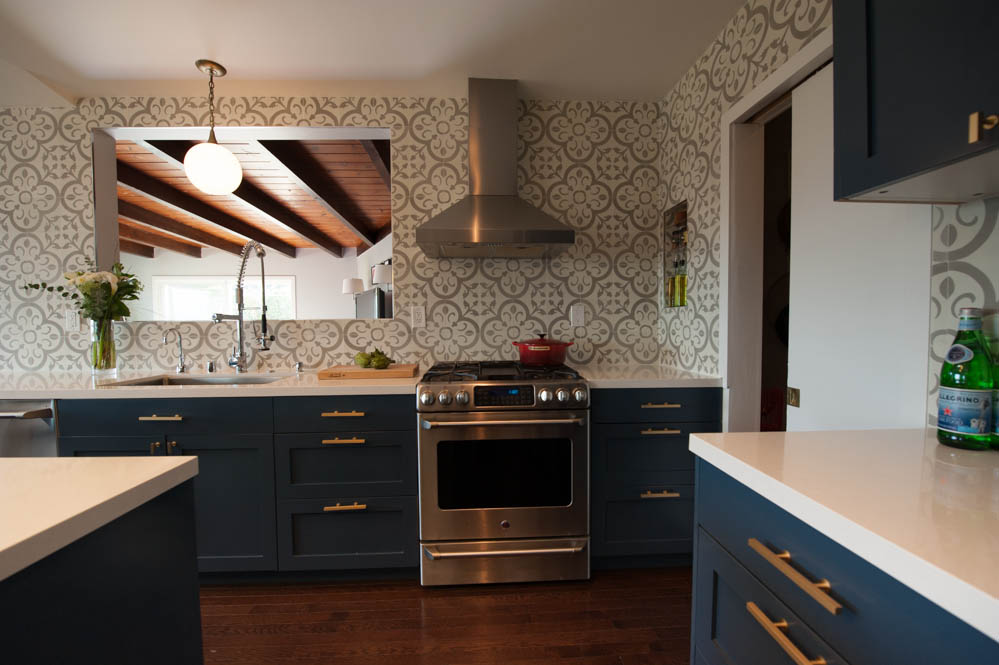 Kitchen cabinets and sink design in Oakland, CA