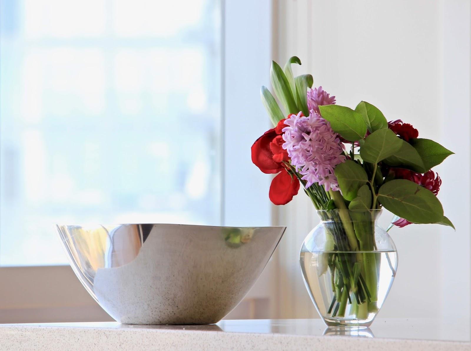 airbnb amenities inspiration design flowers greenery fresh inspiring
