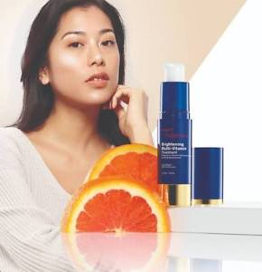 Brightening Multi-Vitamin Dark Spot Treatment