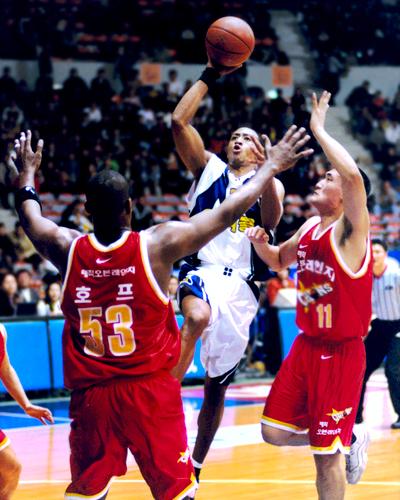 G.J. Hunter professional basketball for Samsung in Seoul, Korea.