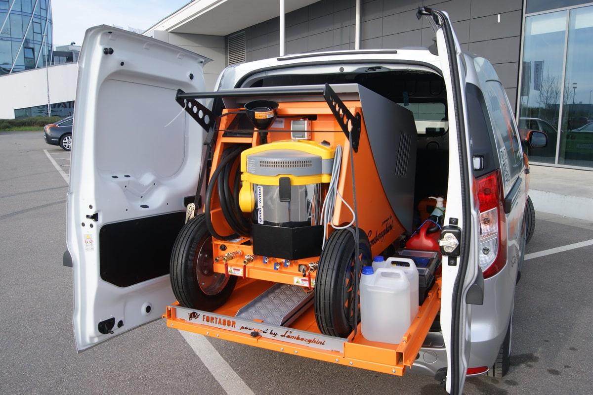 sliding platform for mobile car wash
