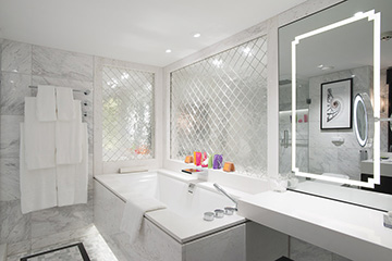 Crystal Mozart - Crystal Suite Bathroom