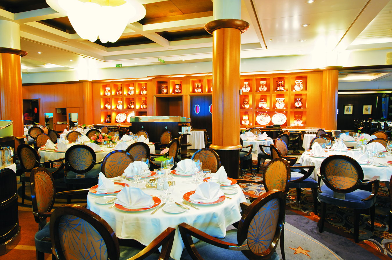 Paul Gauguin - Le Etoile Restaurant