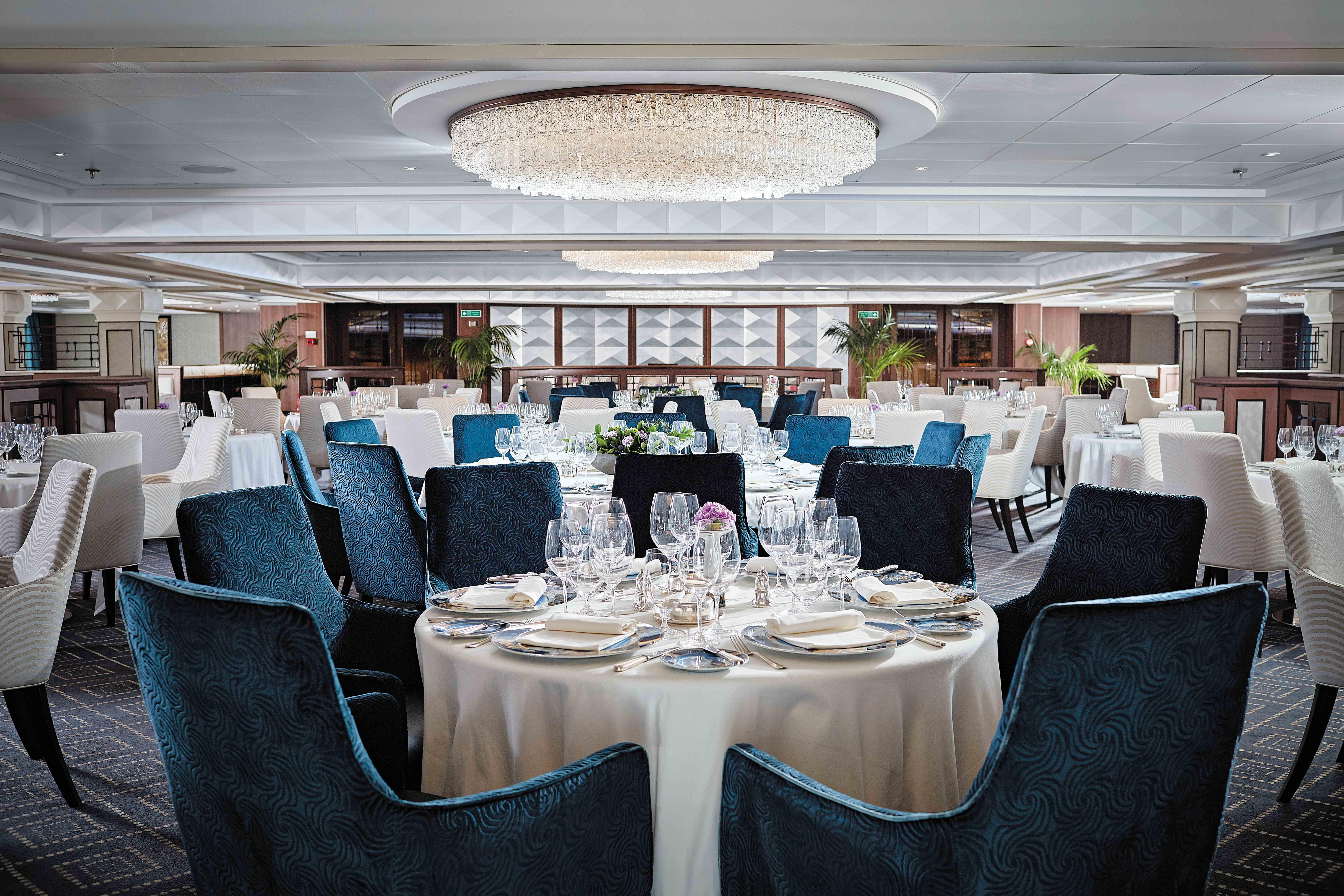 Seven Seas Navigator - Compass Rose Restaurant