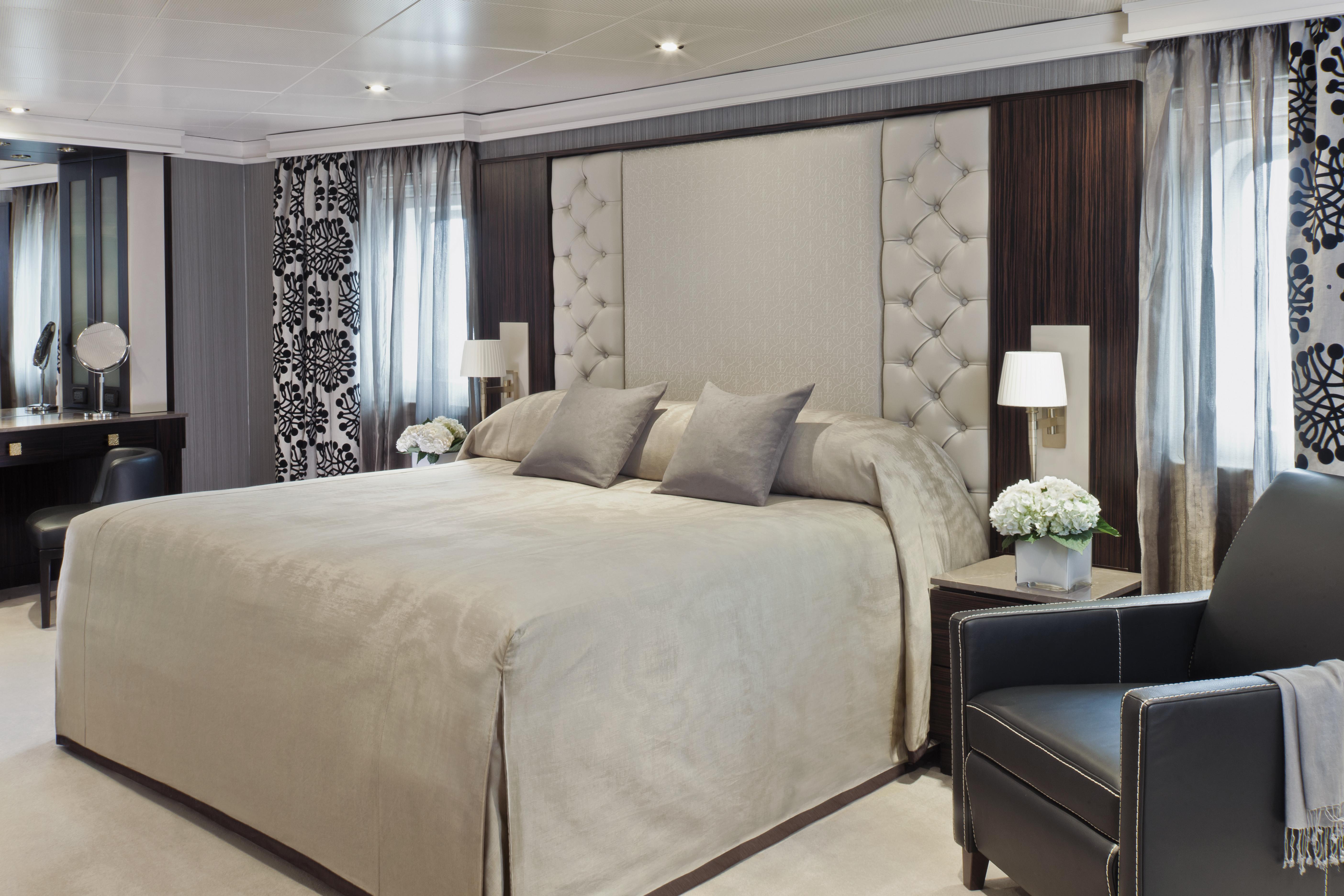 Seven Seas Navigator - Master Suite (Schlafbereich)