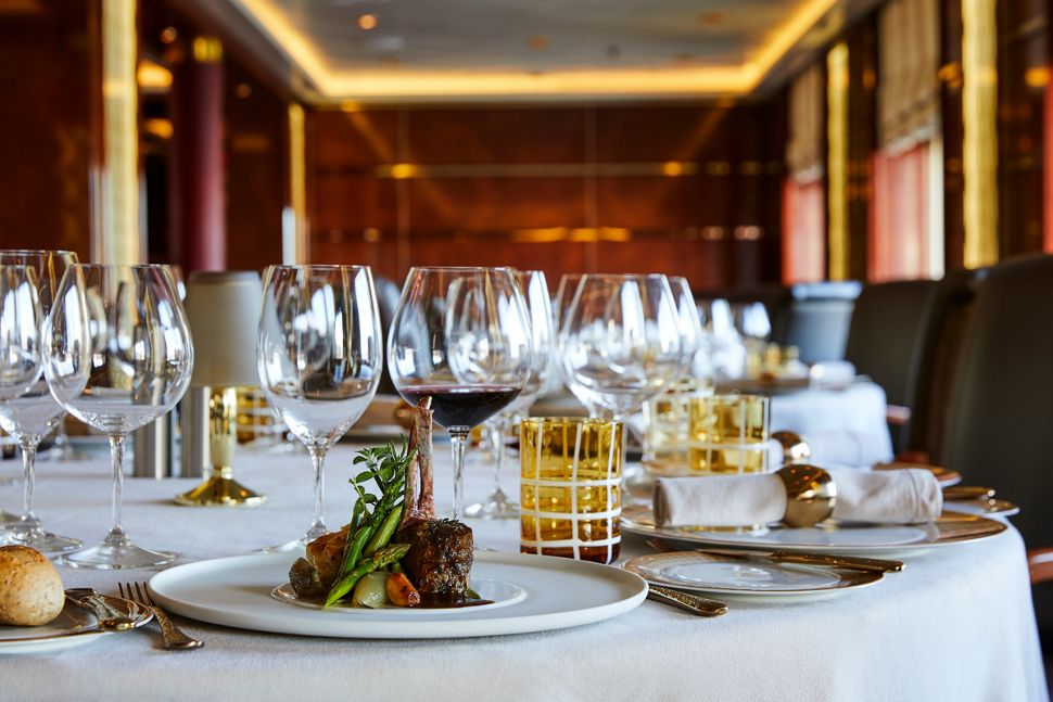 Silversea - Silver Cloud Expedition - La Dame Restaurant
