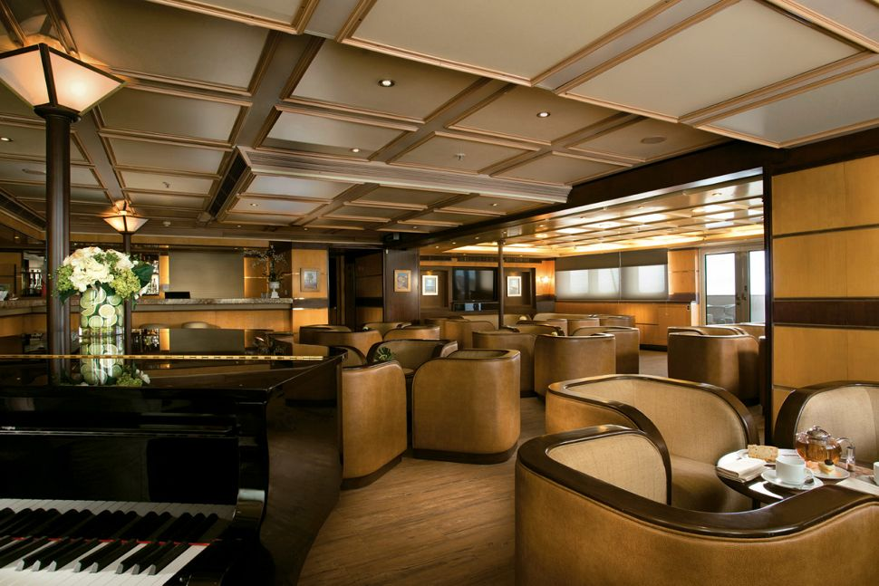 Silversea - Silver Galapagos - Piano Bar