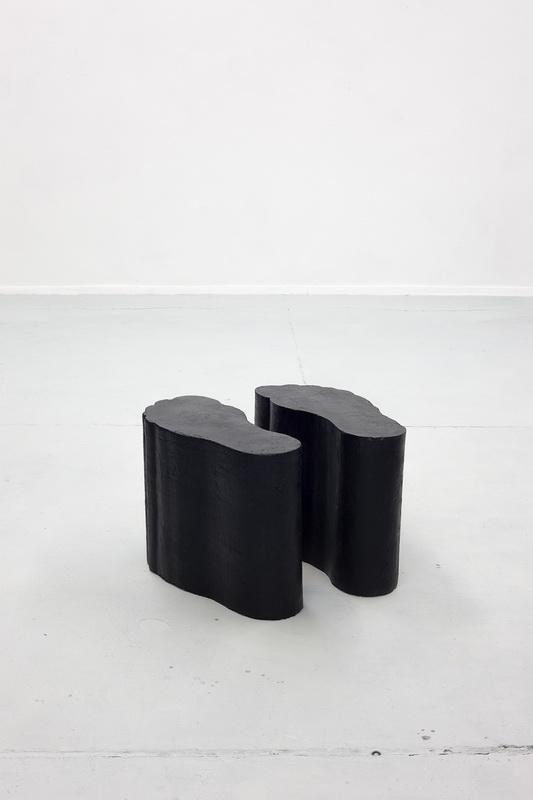 Artwork by Erik Andersen - Fuesse 01 - 2016 - Black Sculpture - Concrete - Dimensions 47 X 65 X 28 cm