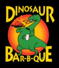 Dinosaur Bar-B-Que es Notificado con Demanda de Acción de Clase por Robo de Salarios